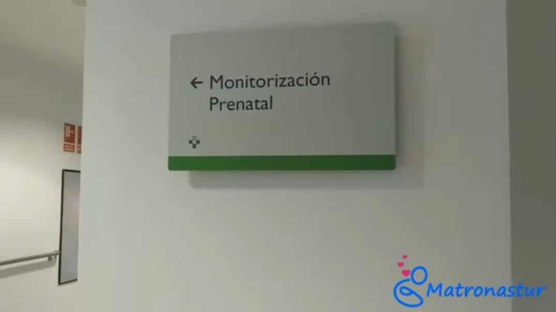 señalización hacia la consulta de monitores en el HUCA